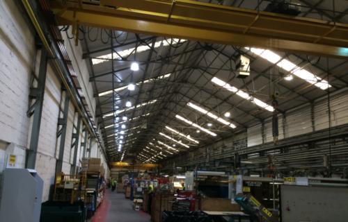 إضاءة مصانع